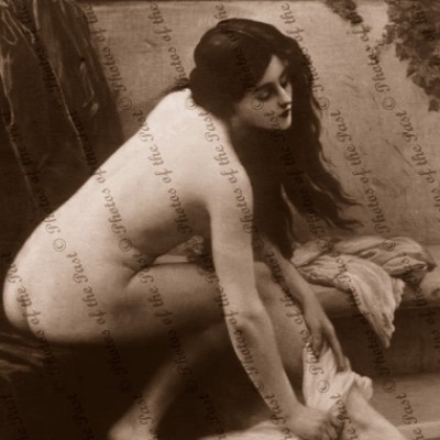 A beauty by the pool. Nude. Woman 1907