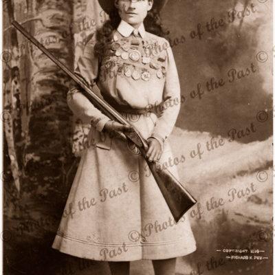 Annie Oakley, sharp shooter (1860-1926) 1899 Gun