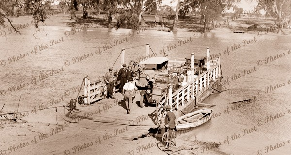 Ferry on River Murray, with old cars c1920s
