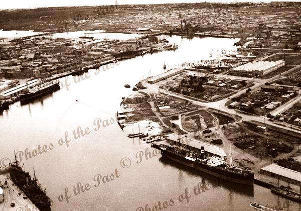 Aerial view of Birkenhead showing B'head Tavern & McFarlane's Slipway, South Australia, shipping c1930s