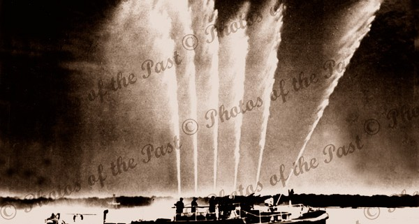 FIRE QUEEN at Port Adelaide, SA, South Australia c1926 hoses spraying