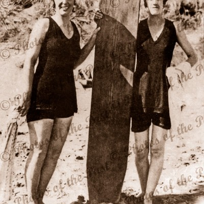 "First women ""surfies"", Grace Smith-Wootton & Win Harrison 1915"