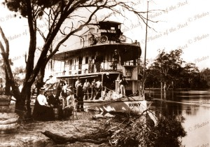 PS RUBY with picnic party near Mildura Vic. Victoria c 1920s paddle steamers