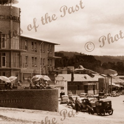 The Cumberland Hotel, Marine Parade, Lorne, Vic.Victoria. Great Ocean Road. Cars c1940s