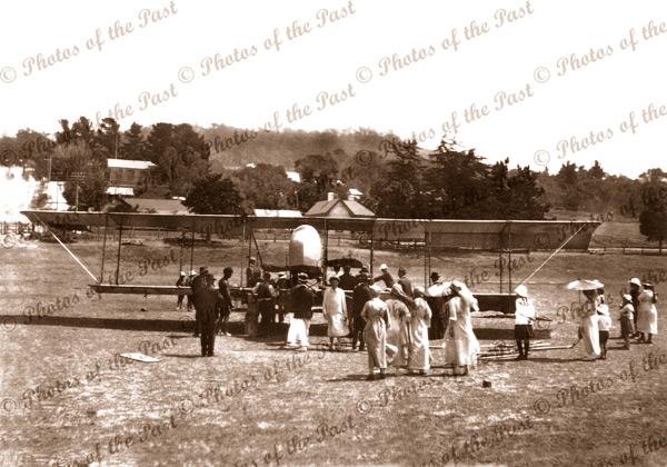 Maurice Farman 'Shorthorn' Bi-Plane at Lorne, Vic. Vicoria. Ladies. c1920s.Great Ocean Road