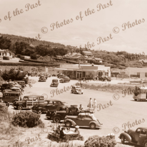 Four Kings Roadhouse, Anglesea, Vic. Victoria. Great Ocean Road c1950s cars