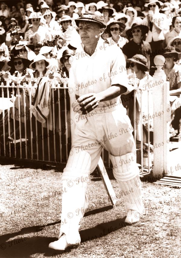 Don Bradman - walking to bat at MCG. Melbourne Cricket Ground Jan 1937. Australian Cricketer