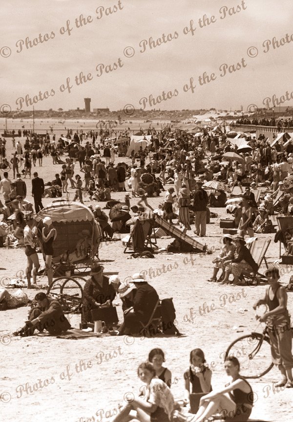 Glenelg foreshore, looking north from Augusta St, SA. Dec 1935
