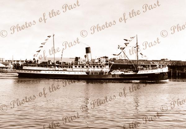 SS KARATTA leaving Pt Adelaide, SA. c1950s. South Austrlia. Steam Ship. Shipping