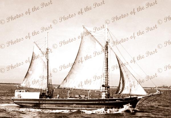 Ketch CAPELLA under sail, c1940s, shipping