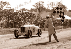Les Murphy winning Australian Grand Prix, Victor Harbor, SA. 26 December 1936. South Australia. car racing