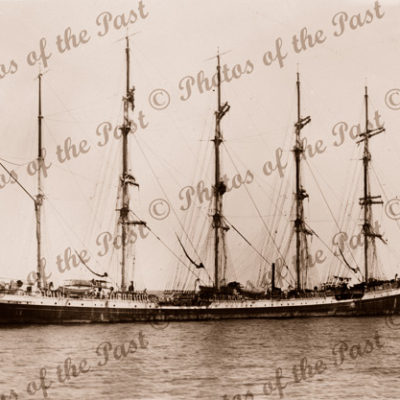 5m Barque FRANCE (2) at anchor. Built 1911