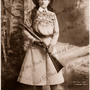 Annie Oakley, sharp shooter (1860-1926) 1899 Gun