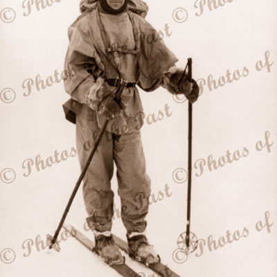 Robert Falcon Scott on skis BAE. 1910. British Antarctic Expedition