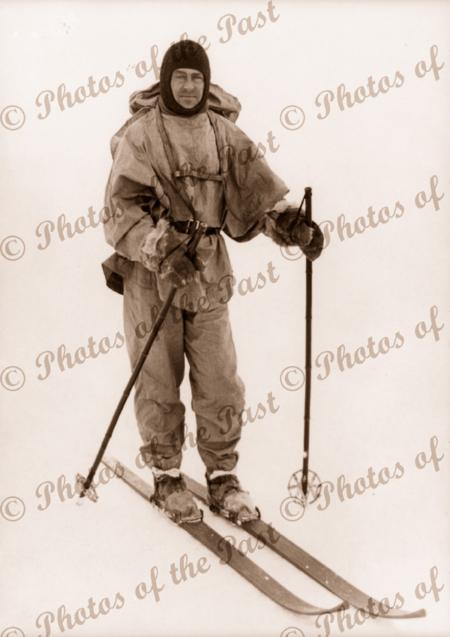 Robert Falcon Scott on skis BAE. 1910. British Antarctic Expedition