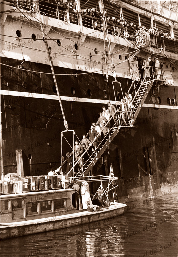 MALOJA discharching passengers to quarantine launch AEDES O'Hbr. Small Pox scare. C1950. Shipping