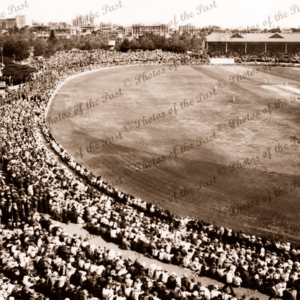 Adelaide Oval 4th day 4th Test vs England (Horiz.) 2 February, 1937. Cricket. South Australia.