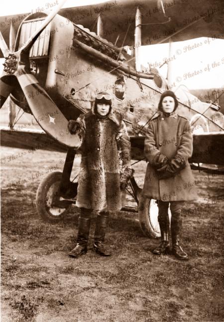 Harry Butler & Army Chaplain with bi-plane in Glasgow WW1. World War. Scotland. C1917
