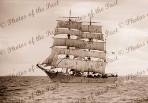 3M Barque VERSAILLES under sail. Built 1900. Shipping