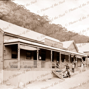 Cadan's Hotel, Lauraville, Victoria, c1890s Name changed to Gaffneys Creek in 1900