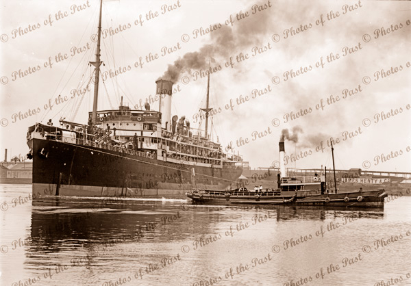SS CANBERRA with tug SPRITELY, Melbourne, Victoria. Steam ship 1920s