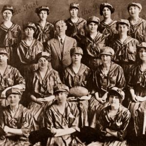 Women Áussie Rules'footballers before the AFLW, c1900